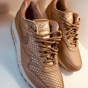 Nike Air Max 1 PRM GOLD